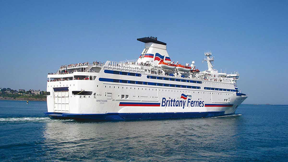 save money on ferries with brittany and p and o ferry journies to france with membership of the caravan and motorhome club which was previously the caravan club