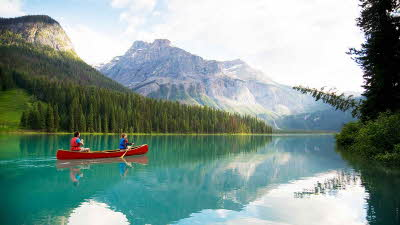 Couple canoeing in Canada