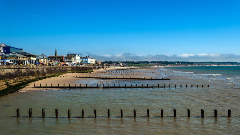 Best beaches for caravans motorhomes for summer 2018 the caravan club for Waves swimming pool whitley bay